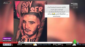 El increíble tatuaje que se ha hecho un fan de Omar Montes con la cara de su ídolo
