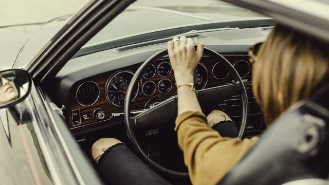 Una buena postura es básica para una conducción cómoda y segura