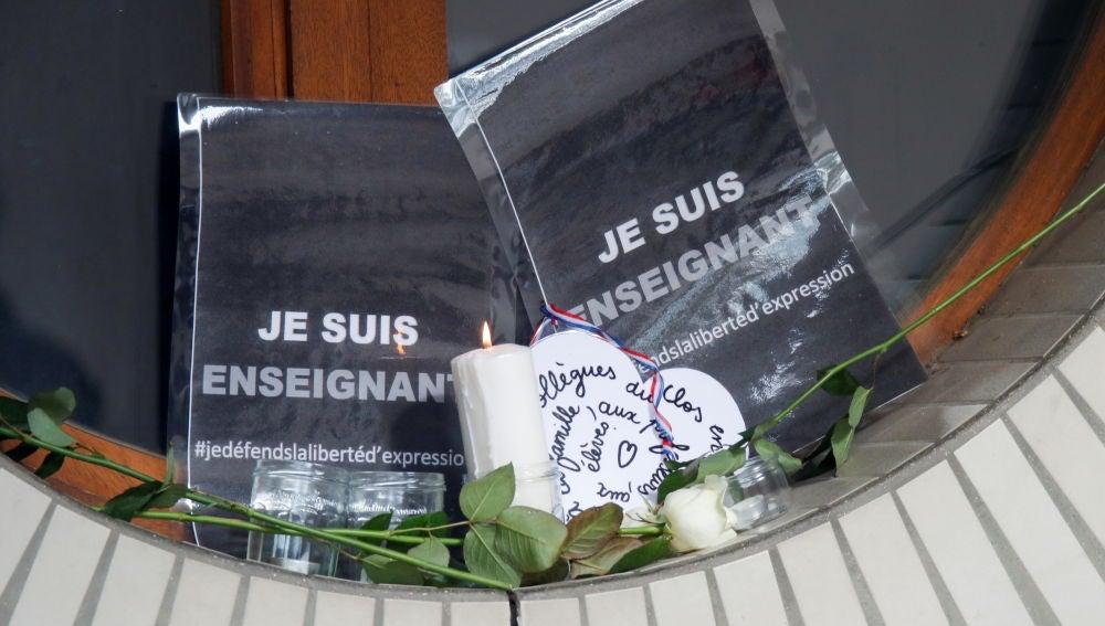 El autor del asesinato de un profesor en París compartió una foto del crimen en Twitter