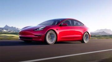 La primera actualización del Model 3 ya está aquí