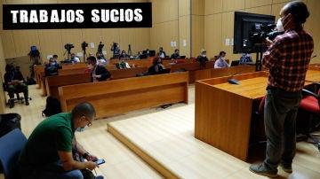 Periodistas de varios medios de comunicación, en la sala de prensa habilitada esperan el comienzo del juicio