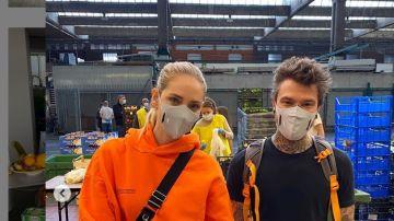 Chiara Ferragni y Fedez en una imagen con mascarilla.