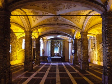 Capela dos Ossos, Evora