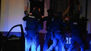 La policía austriaca tras un ataque en Viena