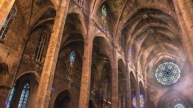 Interior Catedral de Mallorca, rosetón.