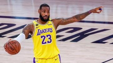 LeBron James, en un partido con los Lakers