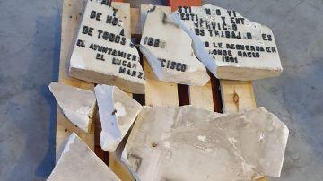 Imagen de la placa homenaje a Largo Caballero