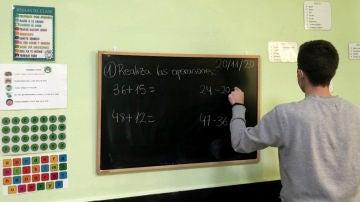 Rubén, profesor de refuerzo Covid en un cole del oeste de Madrid