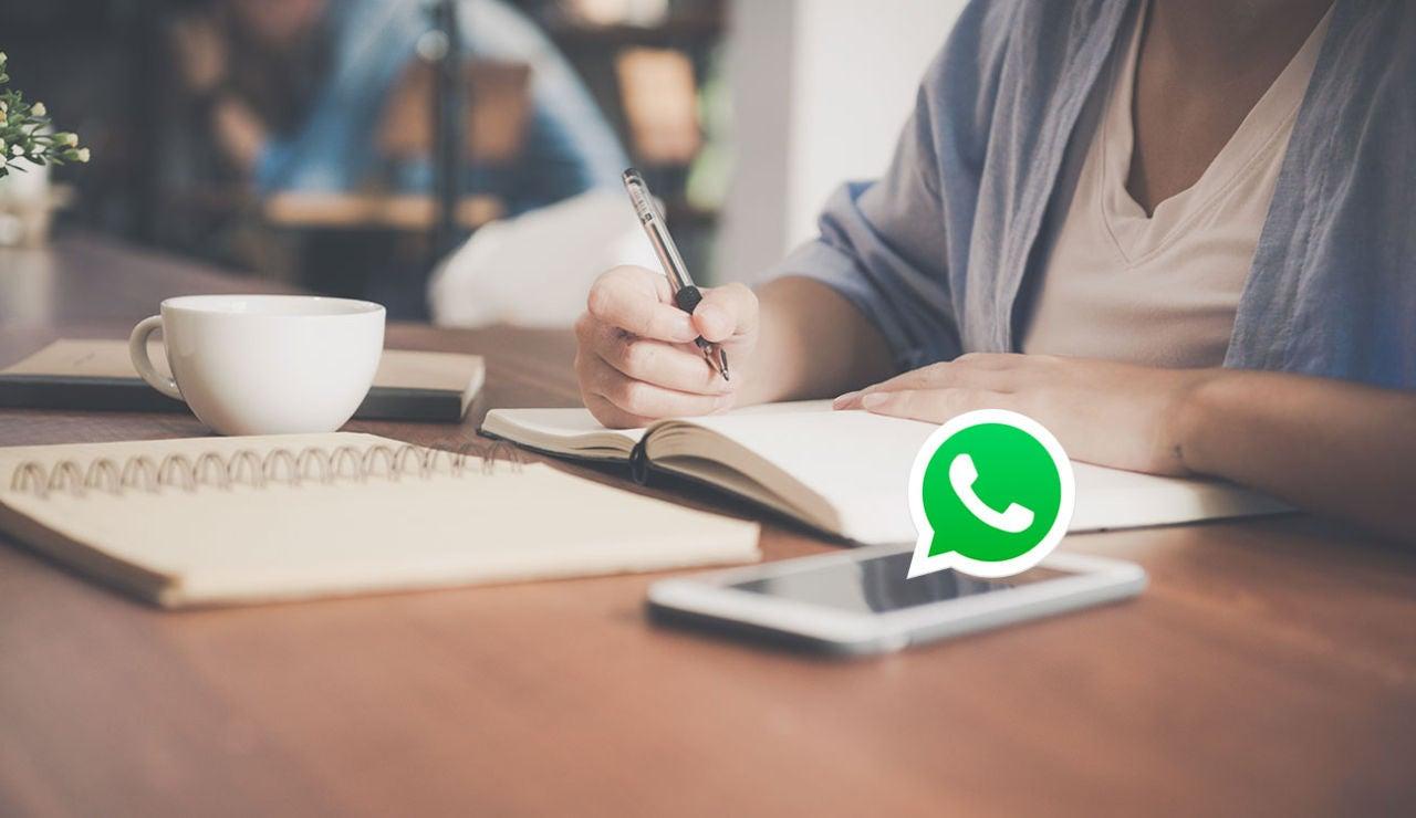Un móvil con WhatsApp
