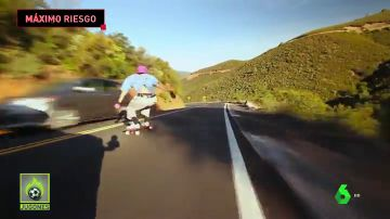 El peligroso descenso de un skater a casi 100km/h