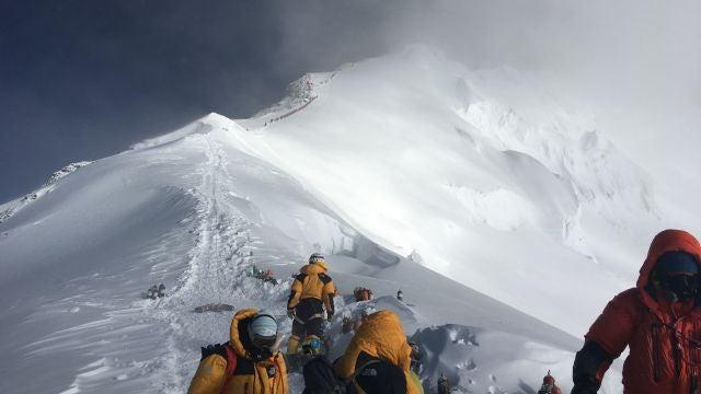 Expedición en el Everest