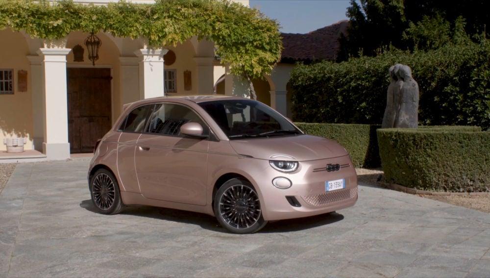El Fiat 500e es la primera versión eléctrica del compacto italiano