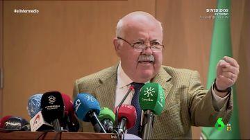El 'lapsus' del consejero de Salud de Andalucía al confundir hasta tres veces la vacuna del coronavirus con la de la gripe