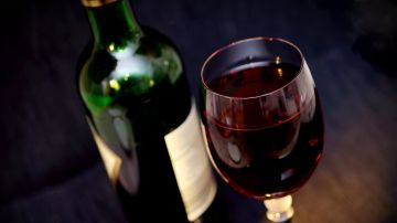 Imagen de archivo de vino tinto