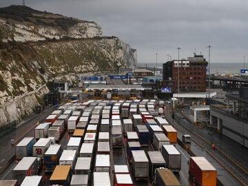 Los camioneros españoles atrapados en Dover