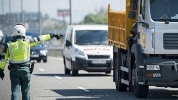 Los agentes de tráfico son los prioritarios en cualquier circunstancia