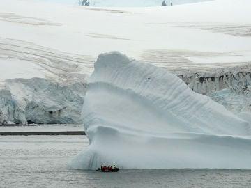 La fusion de los grandes icebergs es un paso clave en la evolucion de las epocas glaciares