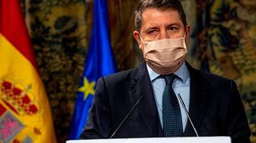 Castilla-La Mancha adelanta el toque de queda a las 22:00 horas y cierra los comercios no esenciales