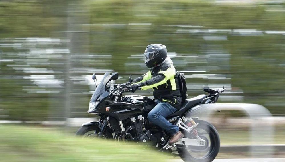 Un joven de 16 años fallece en un trágico accidente de moto media hora después de comprarla en Reino Unido