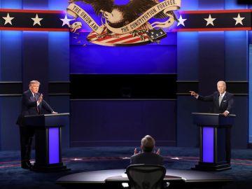 Un tenso momento entre Biden y Trump durante uno de los debates de la pasada campaña electoral
