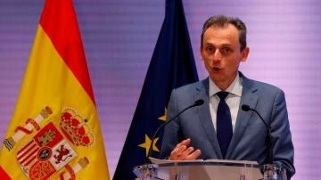 El ministro de Ciencia e Innovación, Pedro Duque, asiste a un encuentro con los firmantes del Pacto por la Ciencia y la Innovación