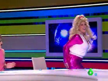 """El 'lío' de Valeria Ros interpretando a Dolly Parton que provoca las risas de los zapeadores: """"Has cantado como la oveja Dolly"""""""