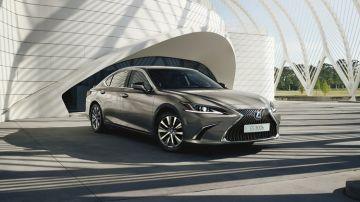 Lexus gama ES 300h 2021