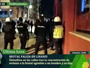 Impactantes imágenes de los disturbios en Linares tras la brutal paliza de dos policías a un hombre y su hija de 14 años