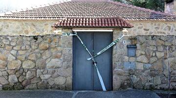 Puerta de la vivienda donde la víctima fue atacada por su agresor