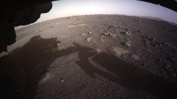 Primera vista a color del rover Perseverance