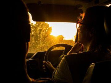 Encender las luces del coche
