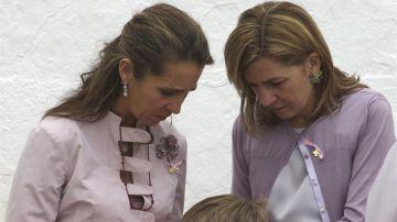 Imagen de archivo de las infantas Elena y Cristina