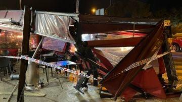 La terraza, destruida tras el accidente en Majadahonda