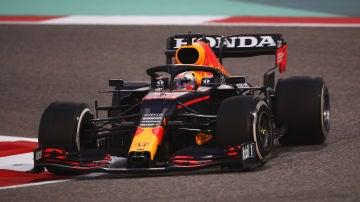Max Verstappen logra el mejor tiempo