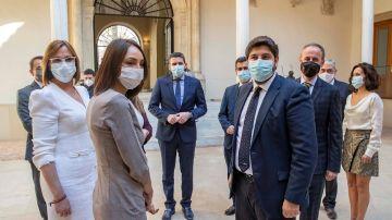 El presidente de Murcia Fernando López Miras, este sábado, tras la toma de posesión de los nuevos consejeros de Ciudadanos