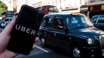 En la imagen, la aplicación de Uber en un teléfono móvil en Londres