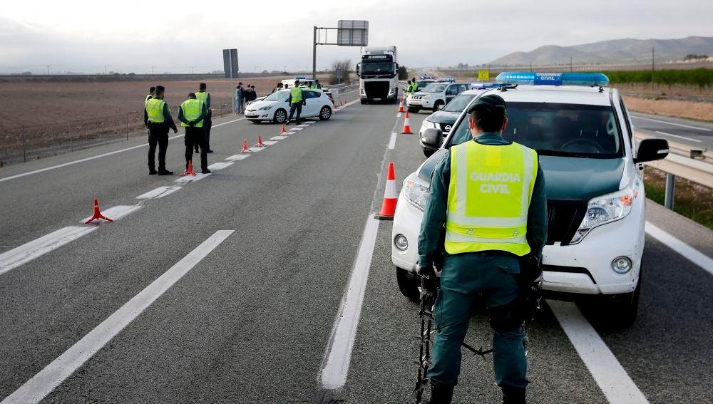 Control de la Guardia Civil situado en la A-31, a la entrada de Alicante, desde Madrid