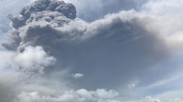 Erupción de un volcán en San Vicente
