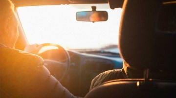 Conecta tu móvil a los altavoces del coche