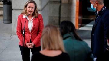 """Nadia Calviño llama a la responsabilidad de los bancos y carga contra los bonus de los ejecutivos: """"Son inaceptables"""""""