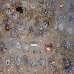 Crematorio al aire libre en la India