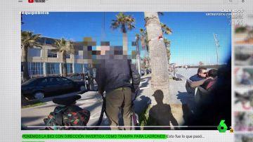 Un ladrón robando una bicicleta en Barcelona