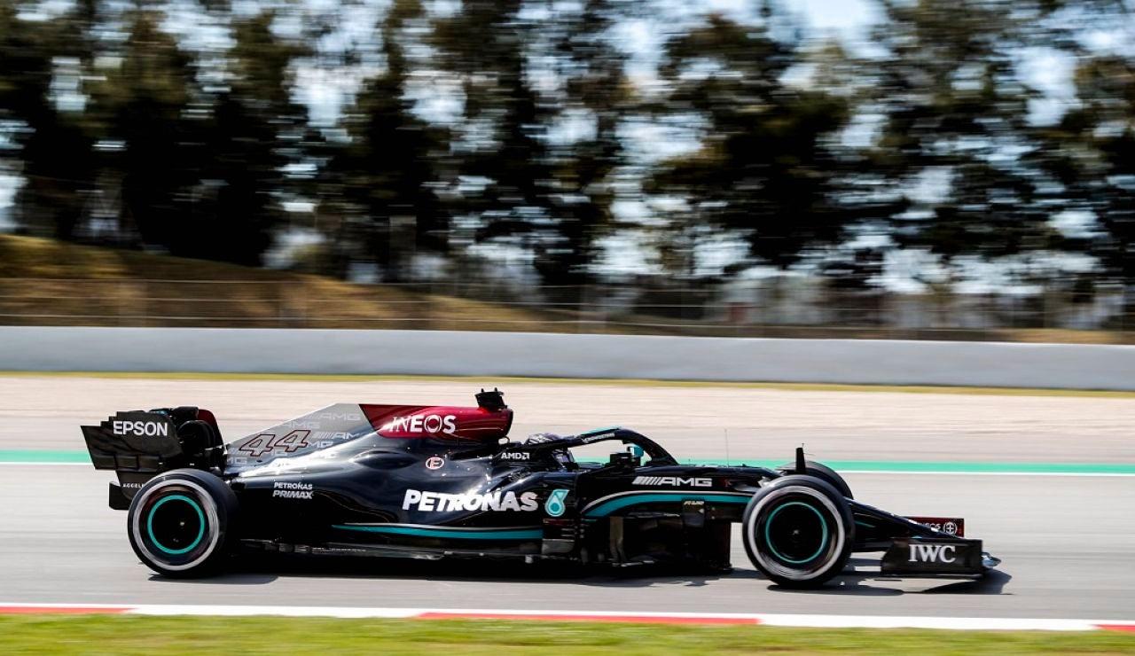 Lewis Hamilton opta a su Pole 100