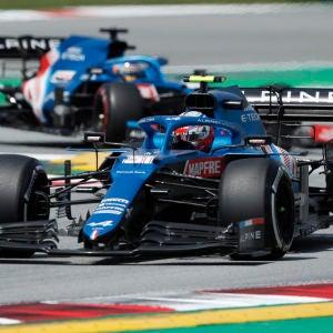 Fernando Alonso y Esteban Ocon, pilotos de Alpine