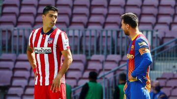 Luis Suárez, con Messi