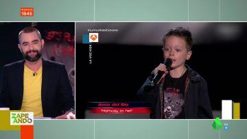 """El niño rockero de siete años que impresiona a Dani Mateo con su actuación en La Voz Kids: """"¡Que tiemble Axl Rose!"""""""
