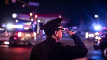 Un policía de Colorado tras una masacre el pasado mes de marzo