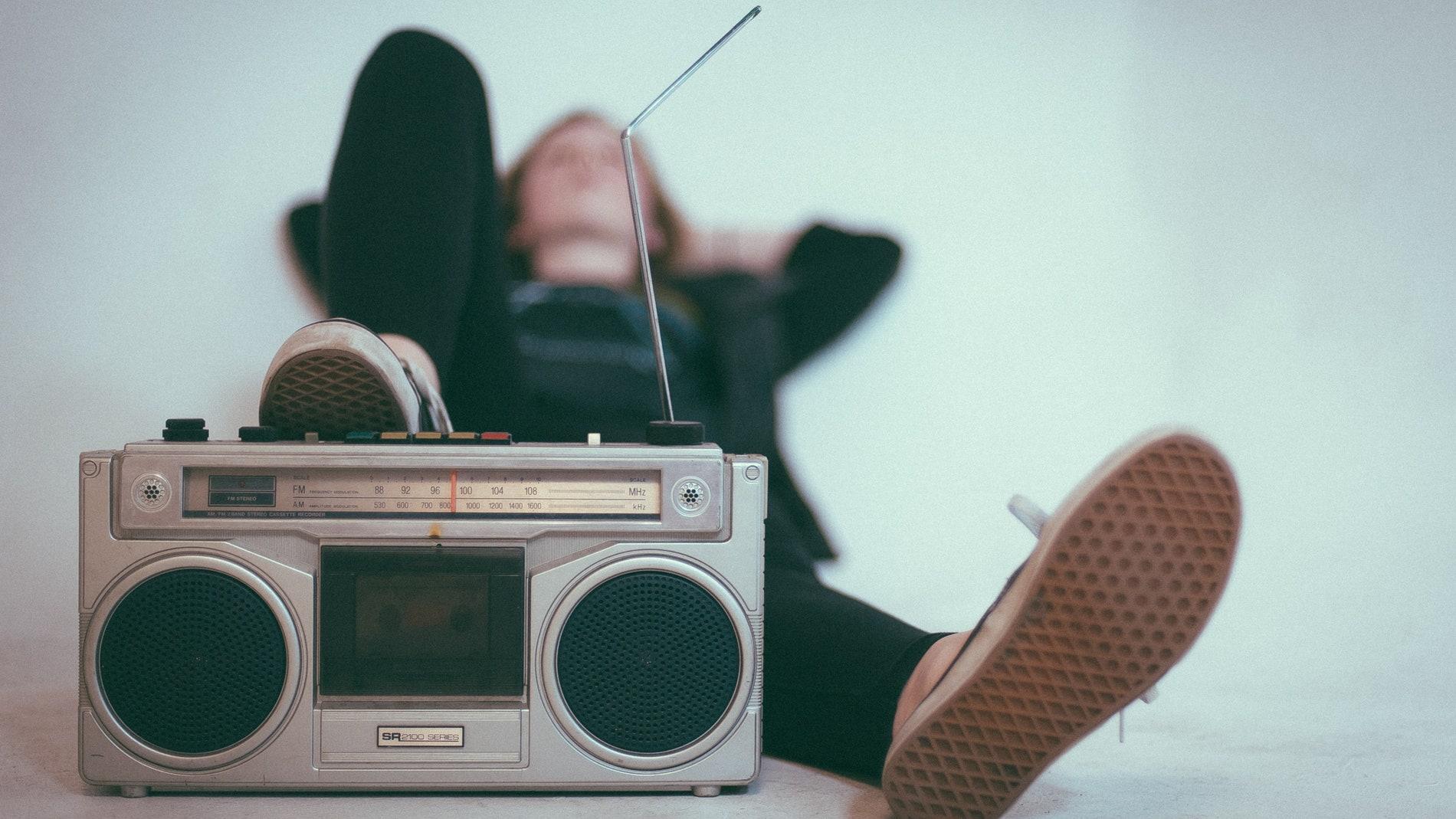 Demuestran la relacion entre la ausencia de placer por la musica y la anhedonia social