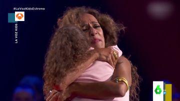 """La pequeña concursante de 'La Voz Kids' que emociona a Rosario Flores con su baile: """"Soy muy fan tuya"""""""