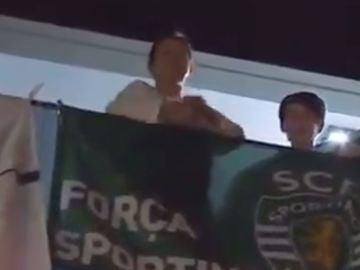 La madre de Cristiano, Dolores Aveiro, festejando la Liga del Sporting